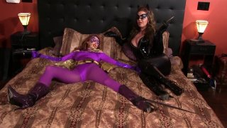 Streaming porn video still #4 from Catwoman On The Prowl