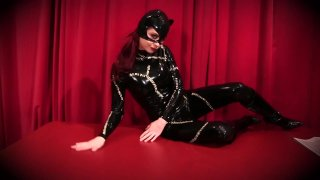 Streaming porn video still #17 from Catwoman On The Prowl