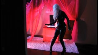 Streaming porn video still #16 from Lesbian Comix