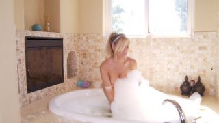 Streaming porn video still #2 from Reign Over Me