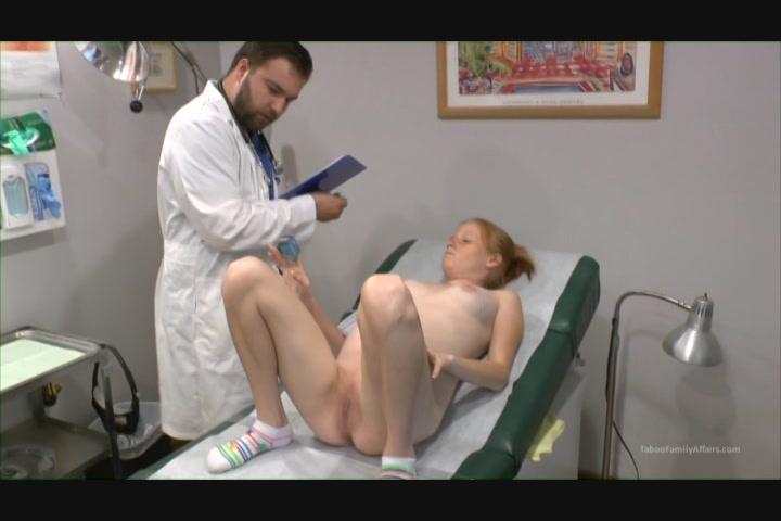 Pregnant alyssa hart enjoys her dildo